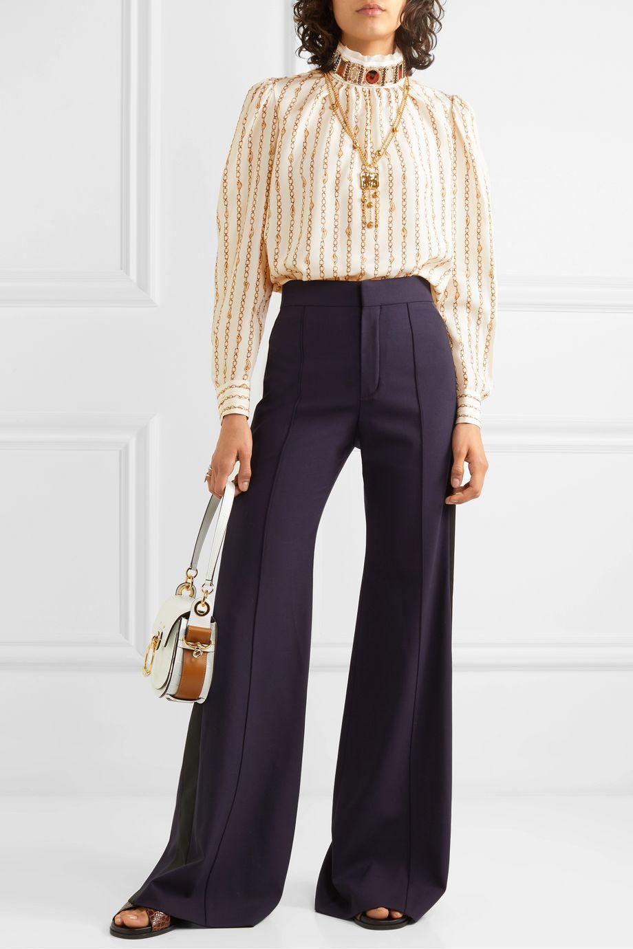 Chloé Bedruckte Bluse aus Seidensatin mit Verzierung