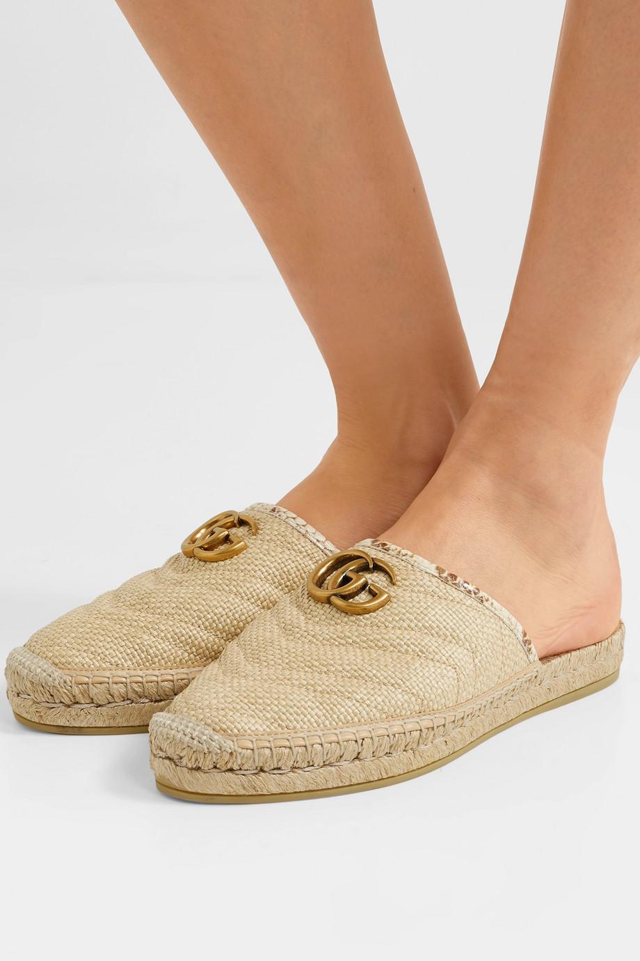 Gucci Pilar 锦蛇皮边饰拉菲草麻底拖鞋