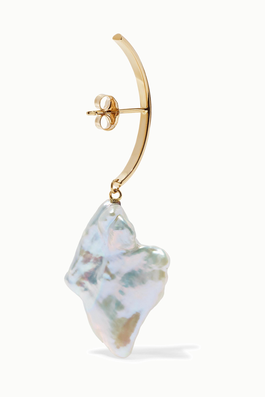 Loren Stewart Gold pearl earring