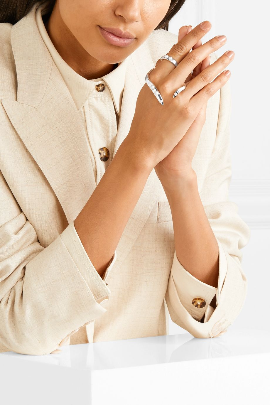 Anne Manns Eadie silver freshwater pearl ring