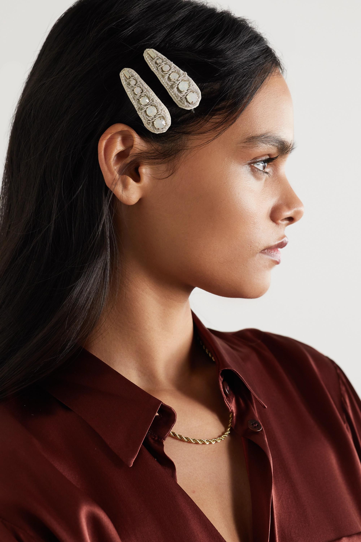 Ranjana Khan Set aus zwei silberfarbenen Haarspangen aus Canvas mit Kristallen
