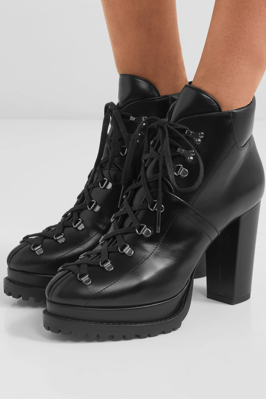 Alaïa 100 leather ankle boots