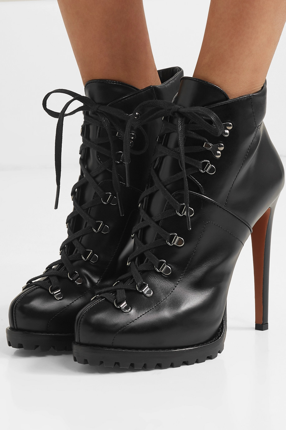 Alaïa 130 leather ankle boots