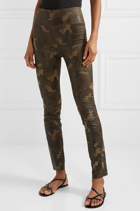 Camouflage-print suede leggings