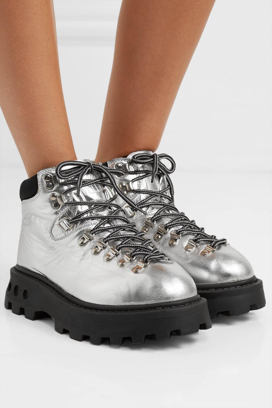 SIMON MILLER High Tracker Schnürschuhe aus Metallic-Leder mit Shell-Besatz
