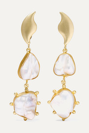 Eos gold-plated pearl earrings