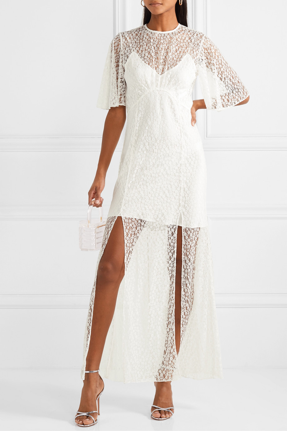 Les Rêveries Lace gown