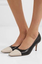70 two-tone leather pumps