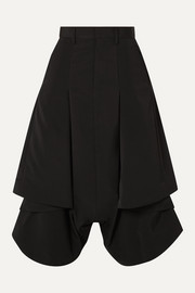 Pleated asymmetric poplin shorts
