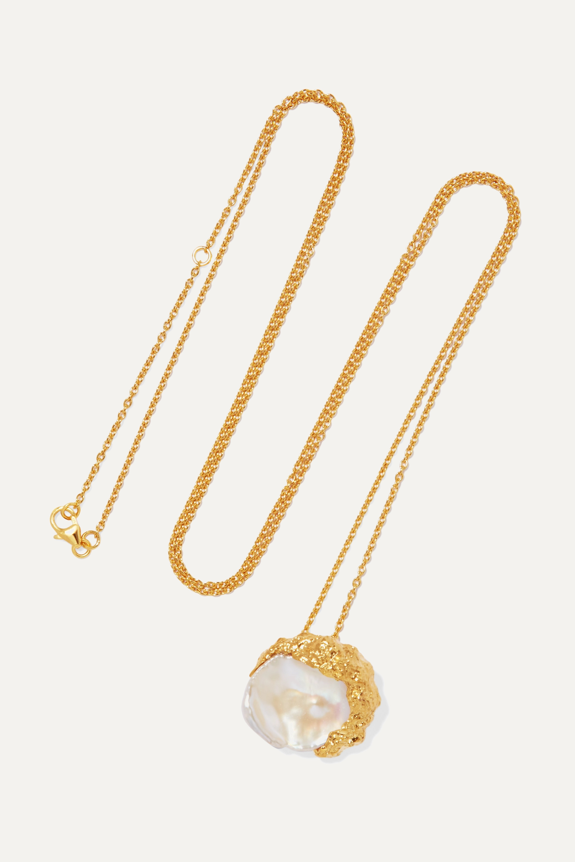 Pacharee Dhin gold-plated pearl necklace