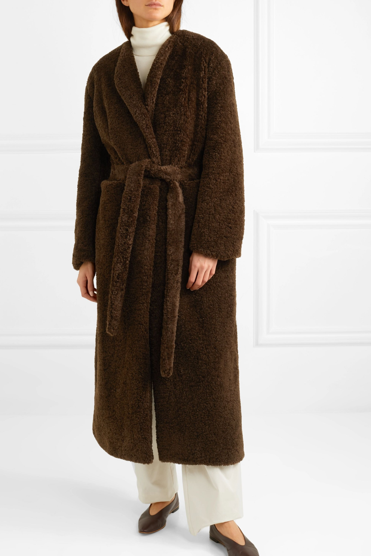 Deveaux Mantel aus Faux Fur mit Gürtel