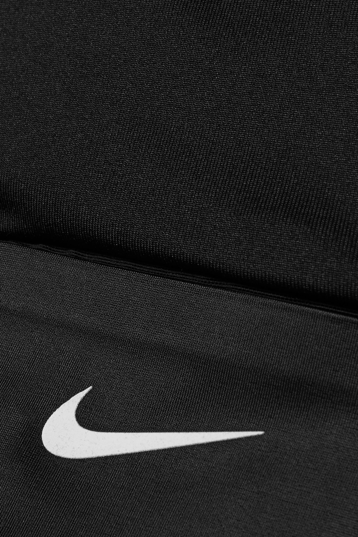 Nike Swoosh Rebel Pocket Sport-BH aus Dri-FIT-Stretch-Material mit Mesh-Einsätzen