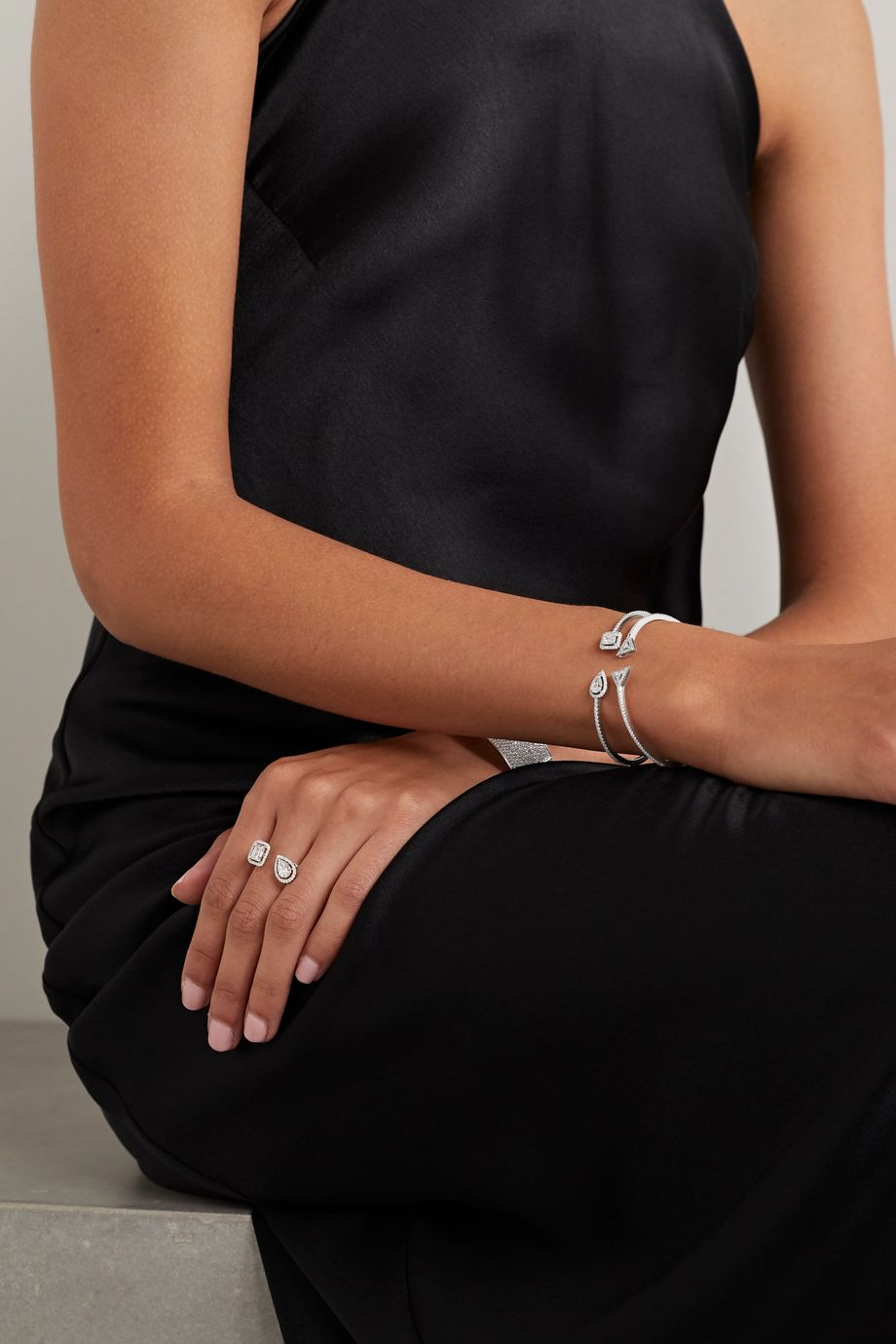 Messika Théa Skinny 18-karat white gold diamond cuff