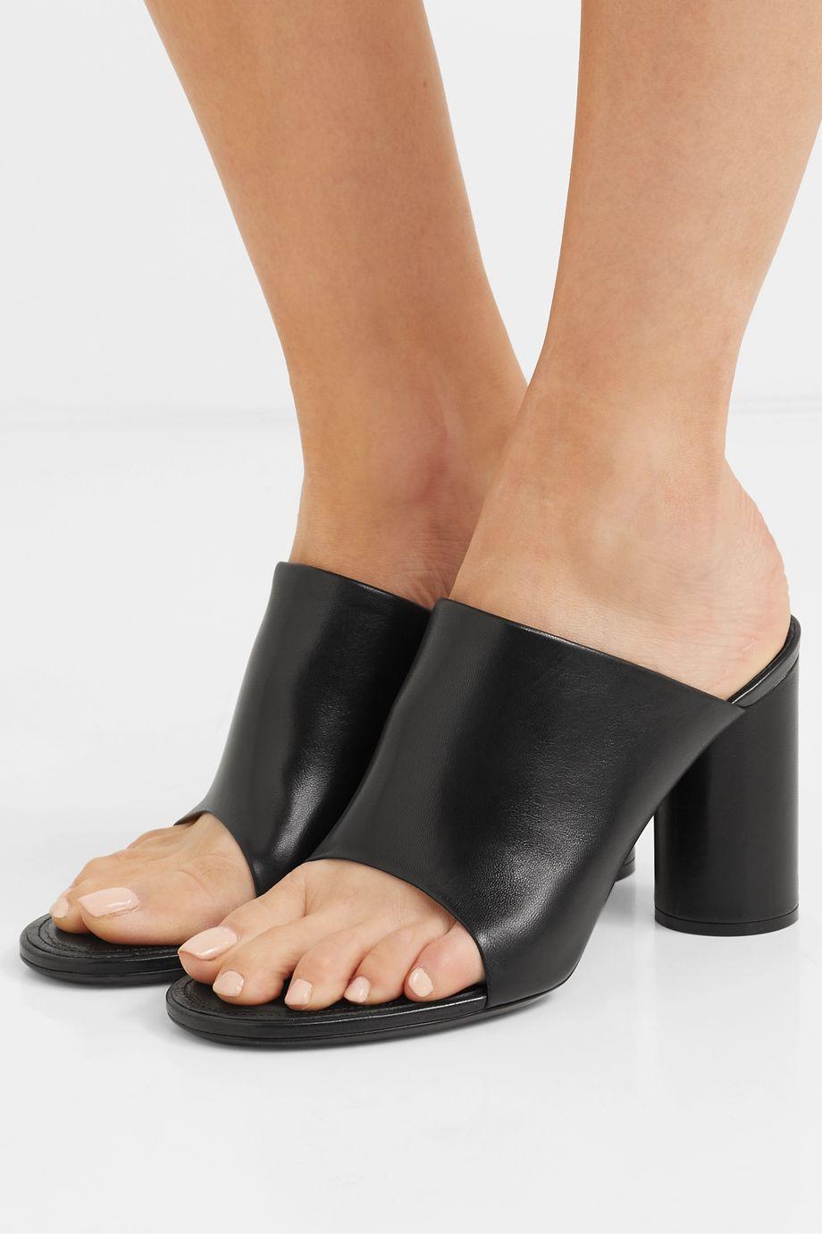Balenciaga 皮革穆勒鞋