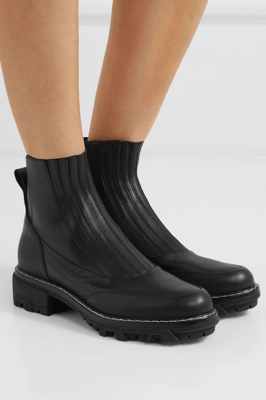 Trend Alert: The Classic Chelsea boot