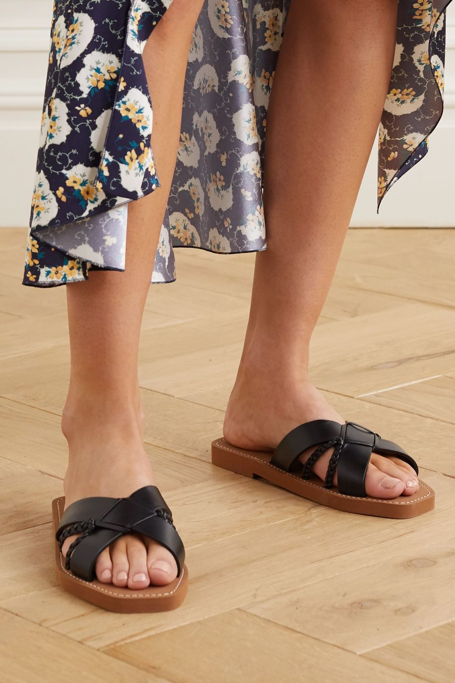 Chloé Woody woven leather slides