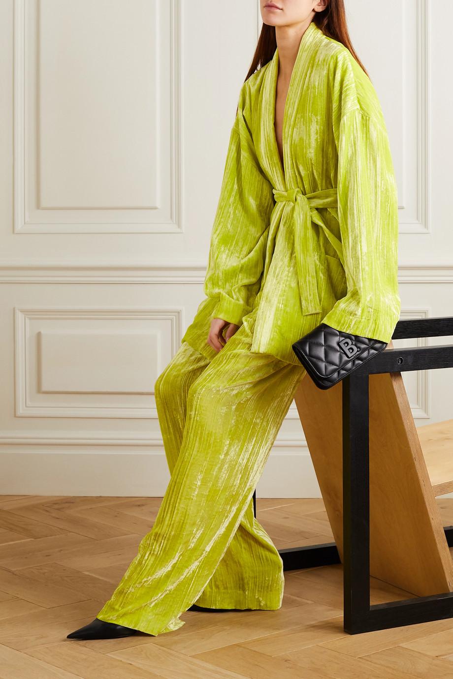 Balenciaga Blazer aus Samt in Knitteroptik mit Bindegürtel