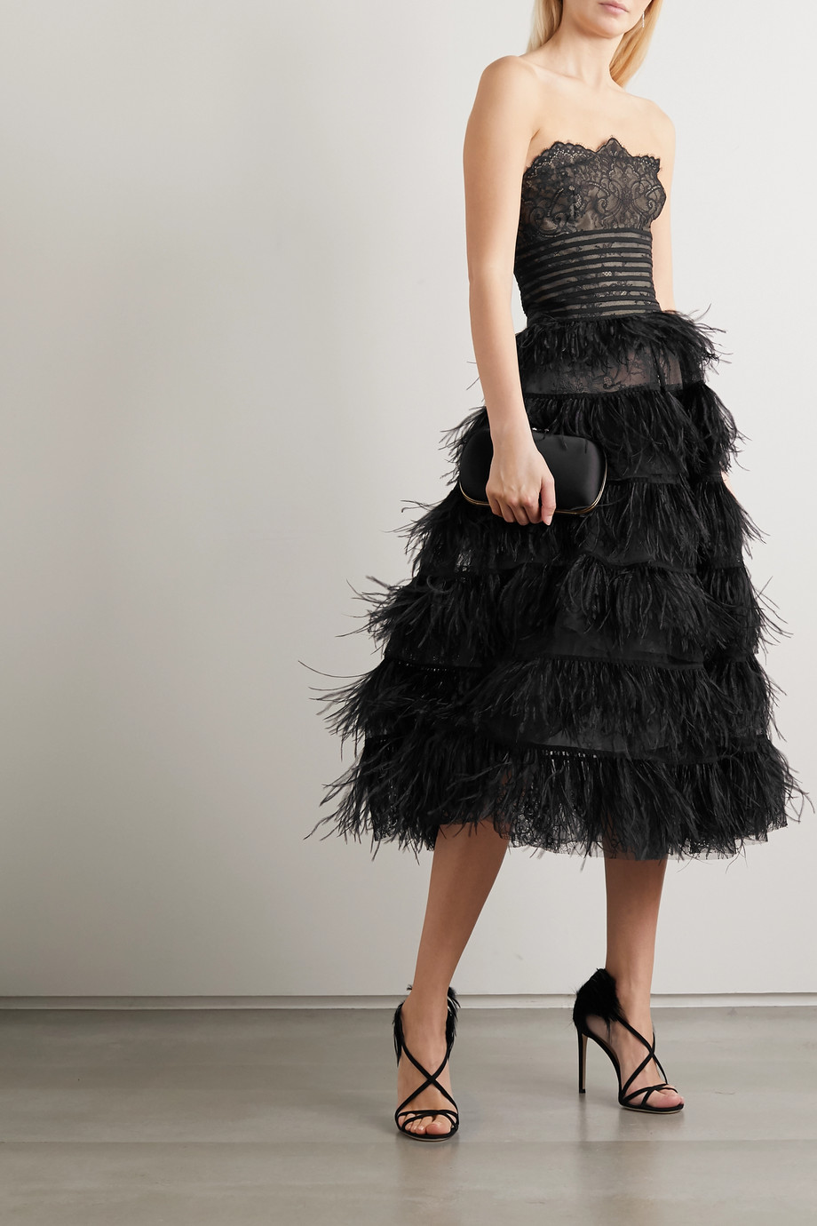 Oscar de la Renta Strapless feather-trimmed embroidered lace gown
