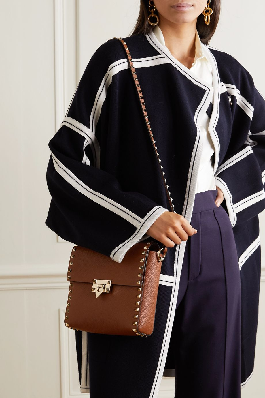 Valentino Valentino Garavani Rockstud small textured-leather shoulder bag