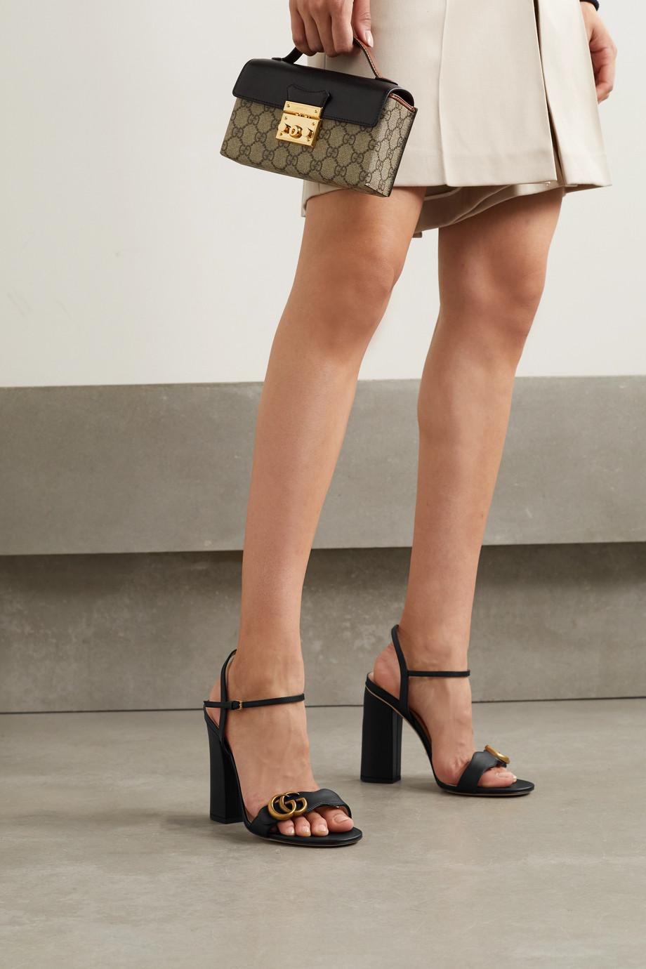 Gucci Marmont Sandalen aus Leder mit Logoverzierung
