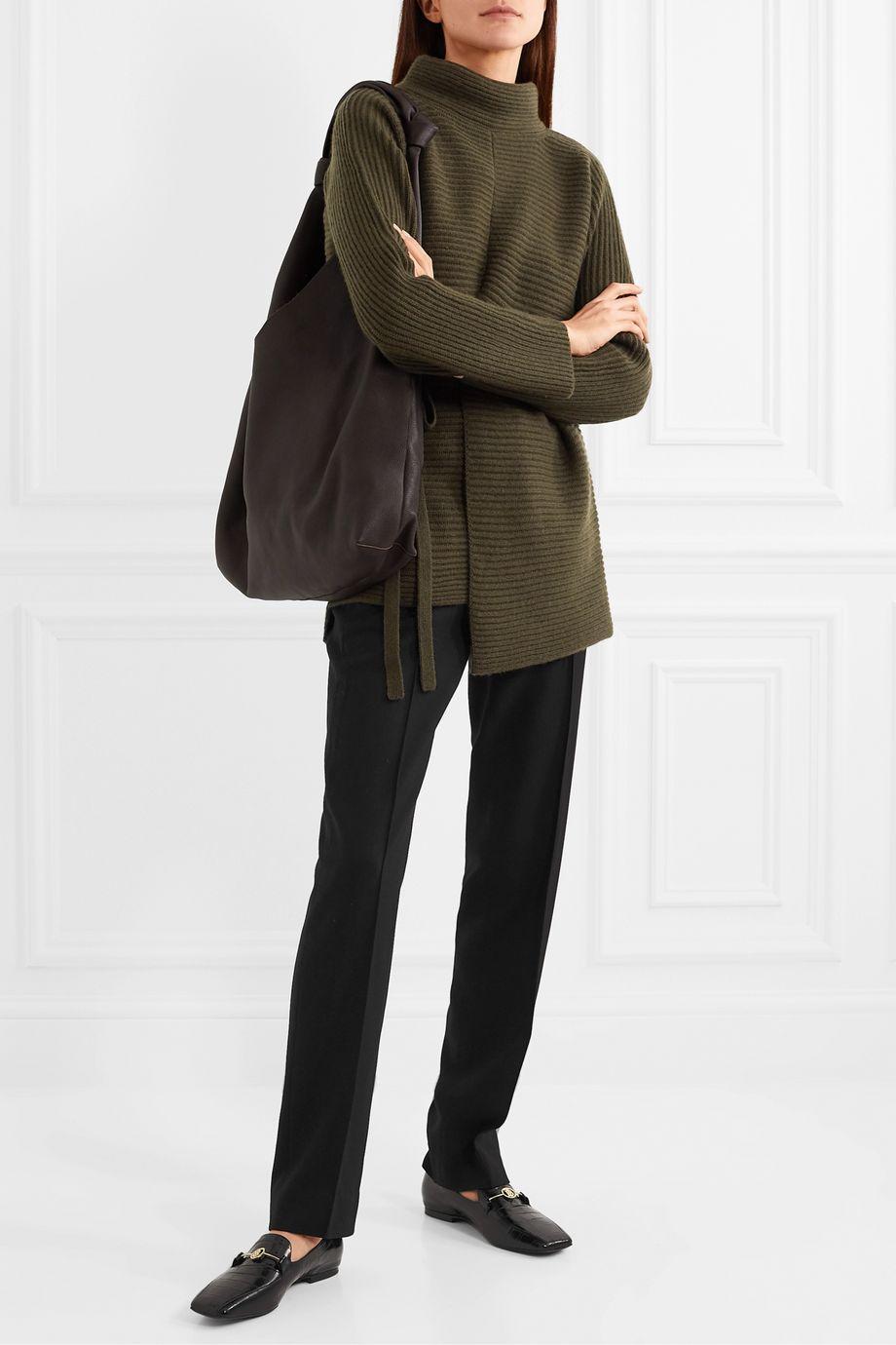 Vince Pull à col montant asymétrique en laine et cachemire mélangés côtelés à ceinture