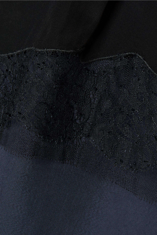 Tibi Mehrlagiges Oberteil aus glänzendem Twill und Crêpe de Chine mit Spitzenbesatz