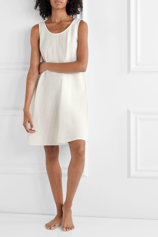 Pour Les Femmes Textured cotton-seersucker nightdress