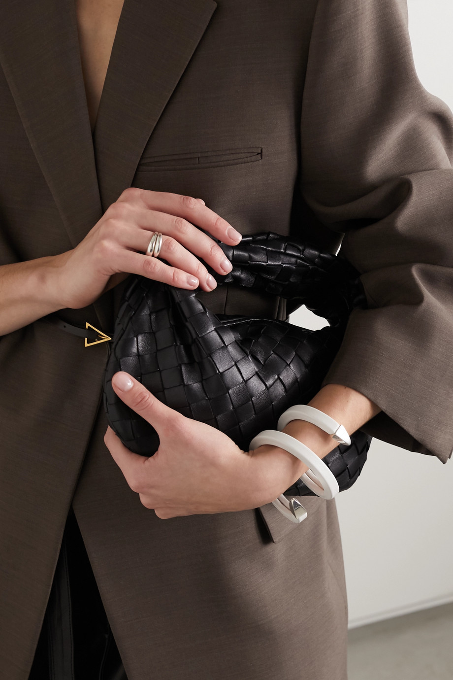 Bottega Veneta Bracelet tour de poignet en cuir et en métal argenté