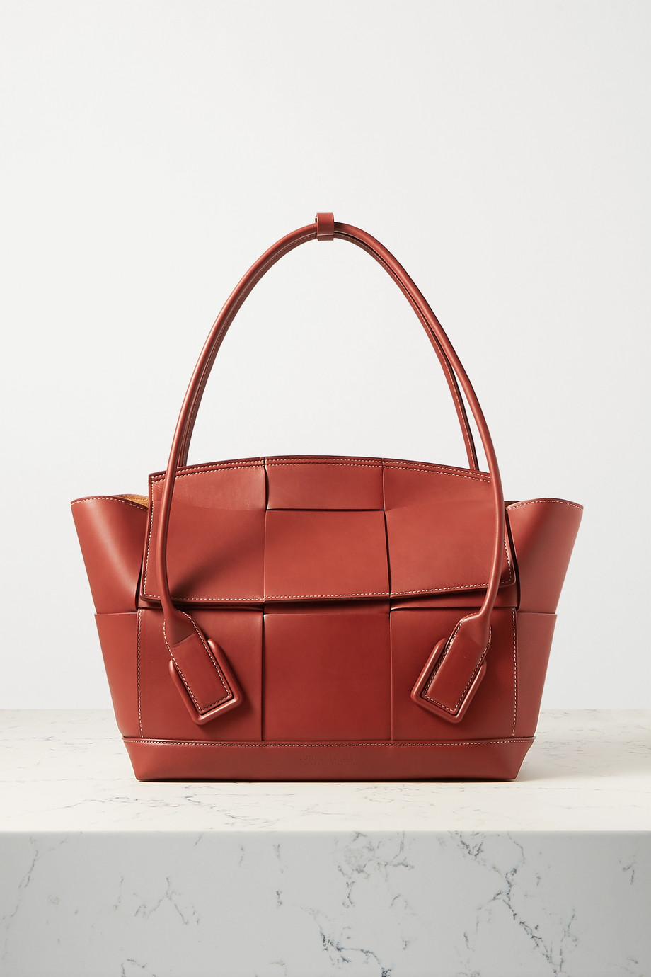 Bottega Veneta Sac à main en cuir intrecciato Arco Medium