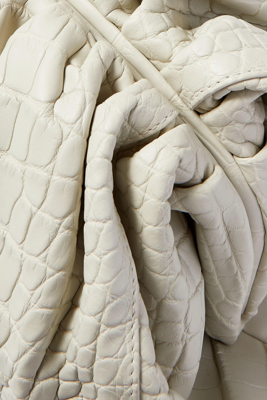 Bottega Veneta The Pouch große Clutch aus Alligatorleder mit Raffungen