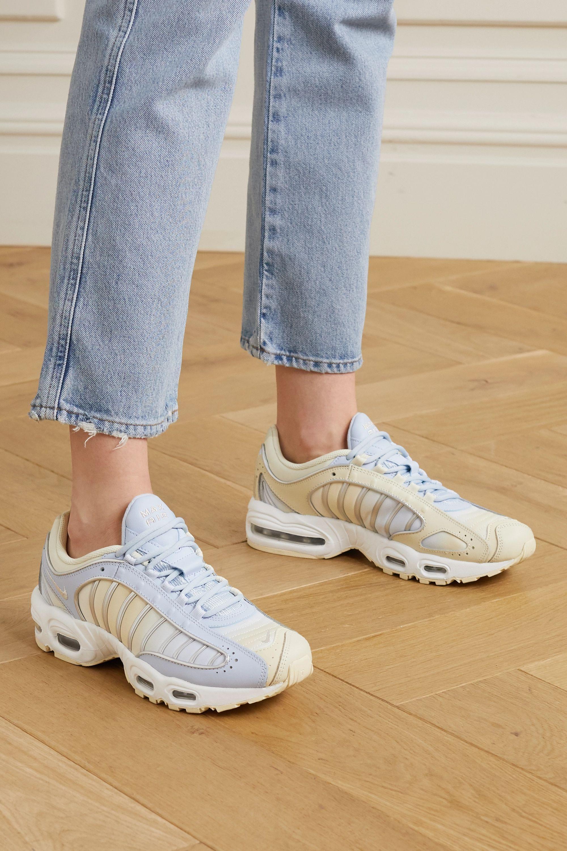 nike tailwind sneakers