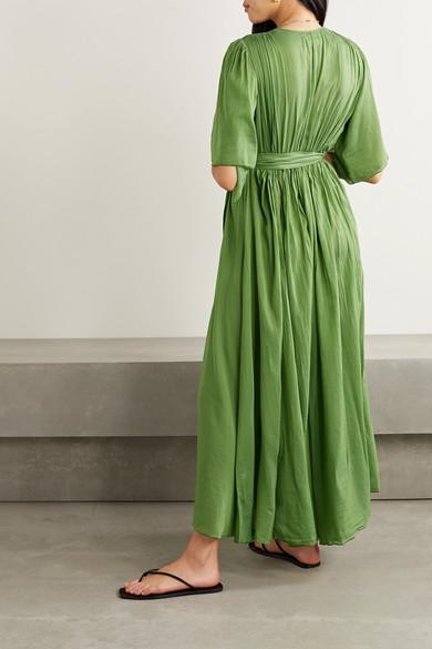 robe longue en voile avec broderies signée Seventy