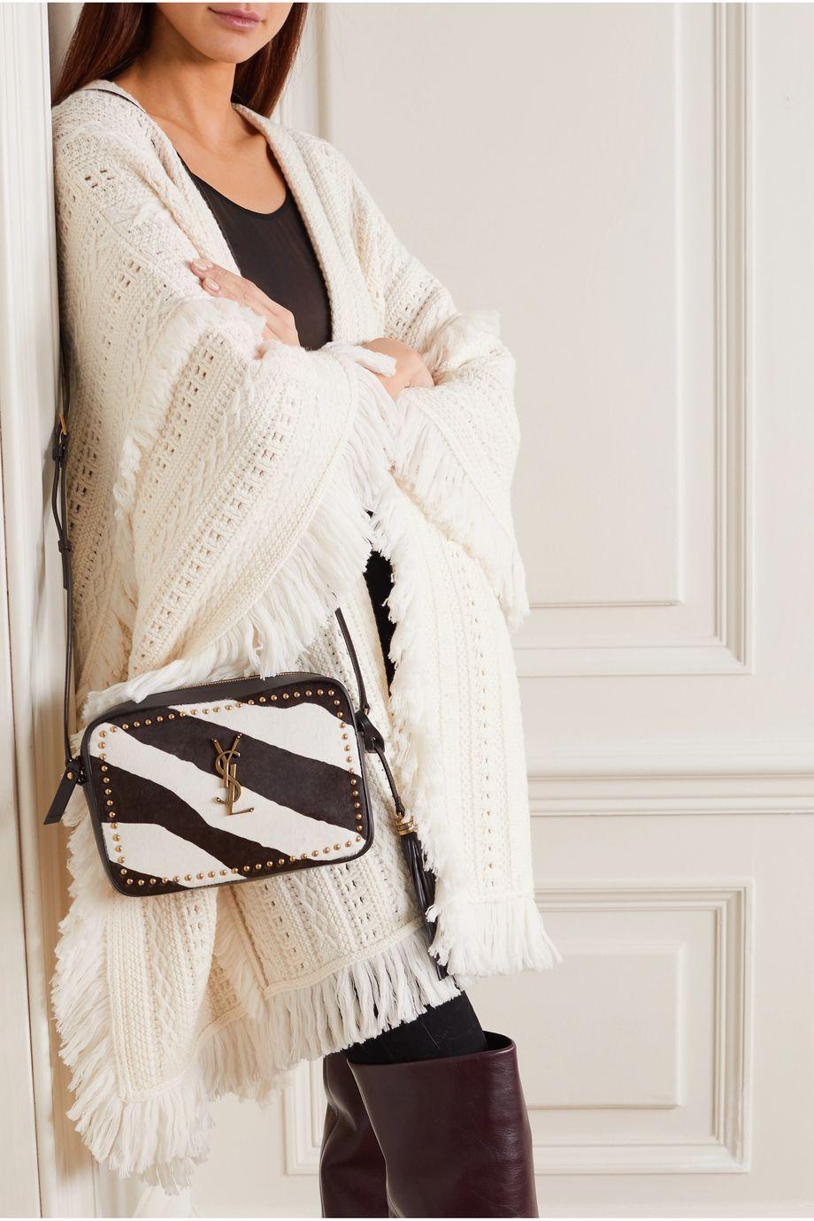 SAINT LAURENT Lou nietenverzierte Schultertasche aus Kalbshaar mit Zebraprint und Leder