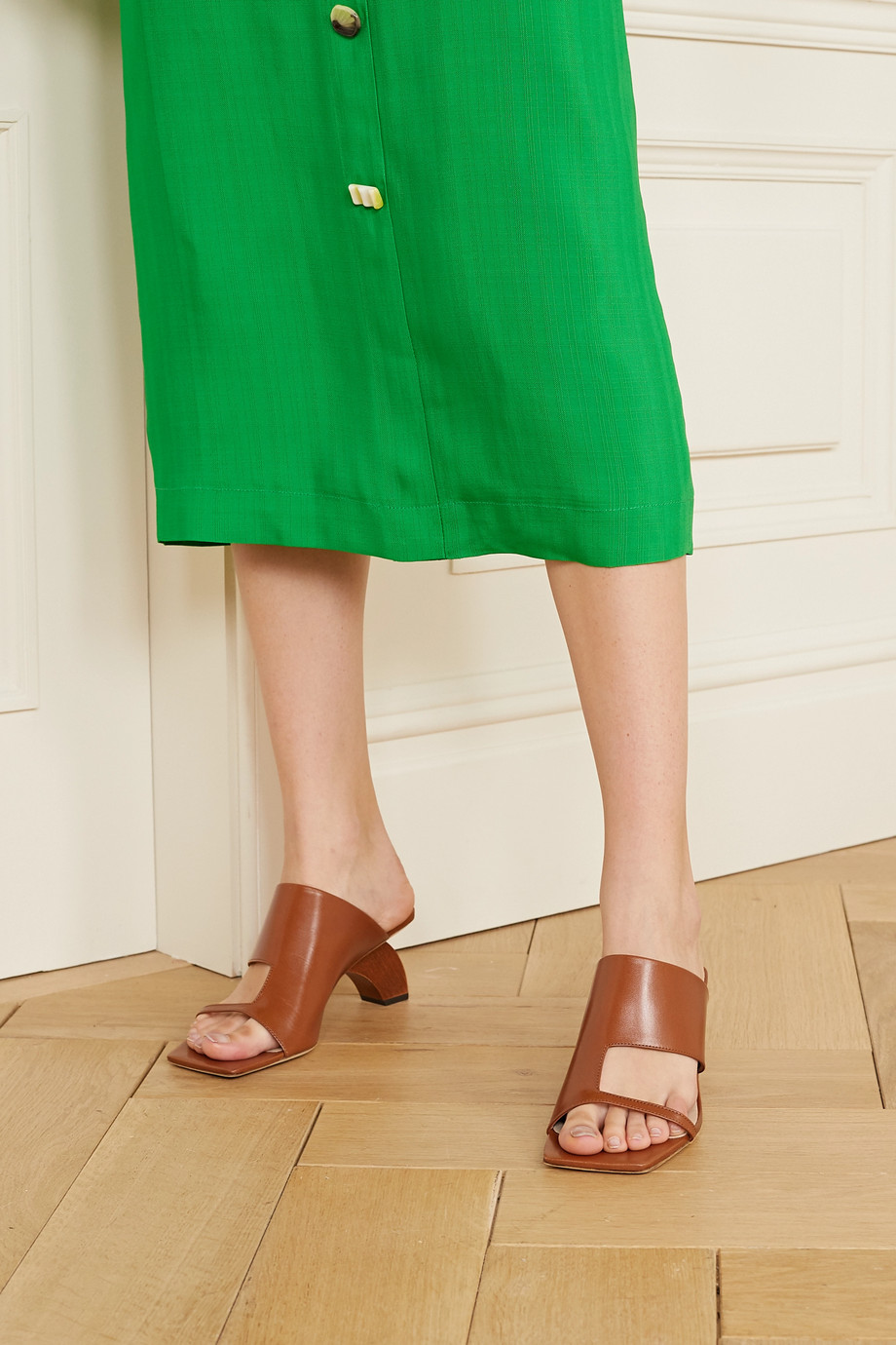 REJINA PYO Leah leather sandals