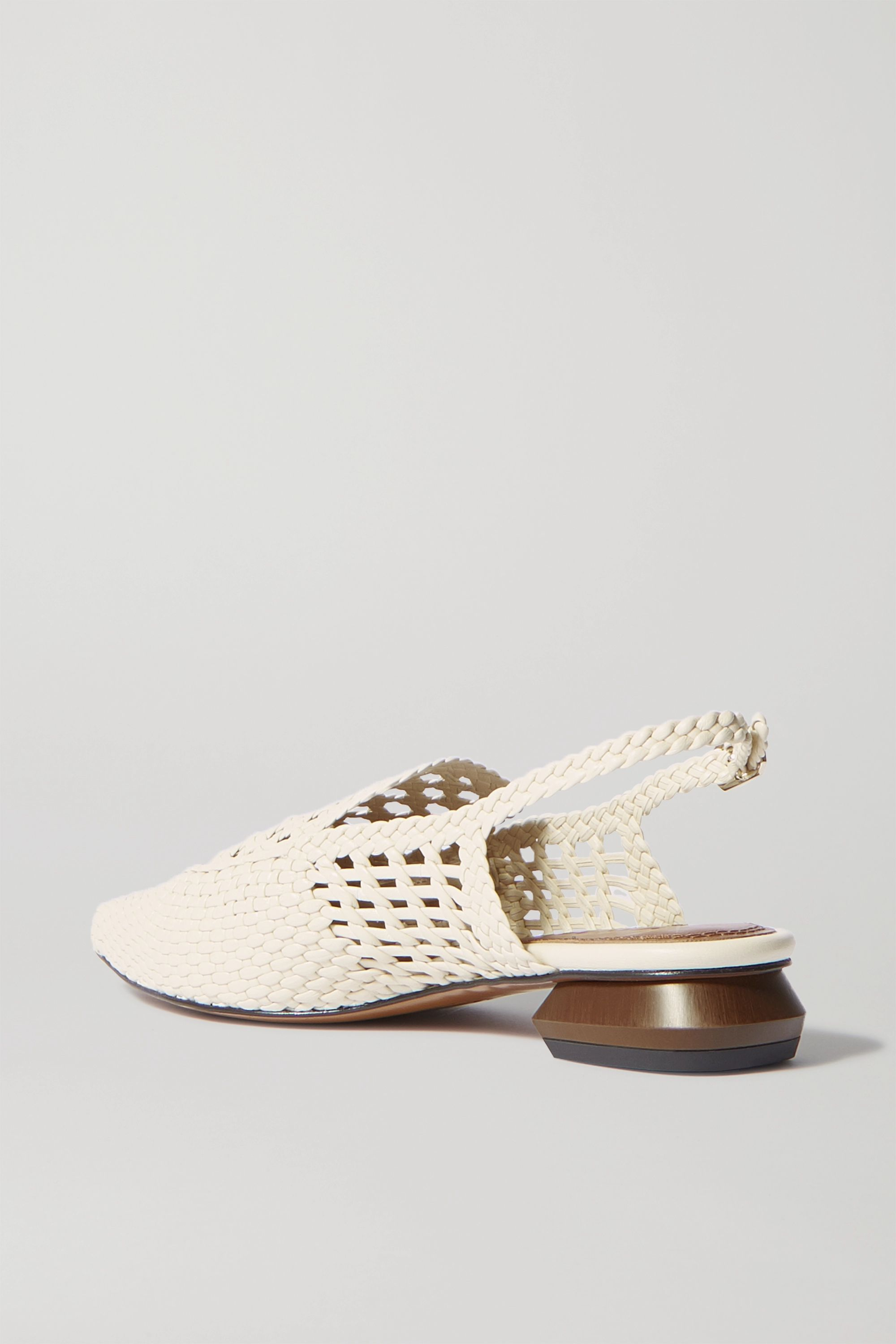 Souliers Martinez Gloria woven leather point-toe flats