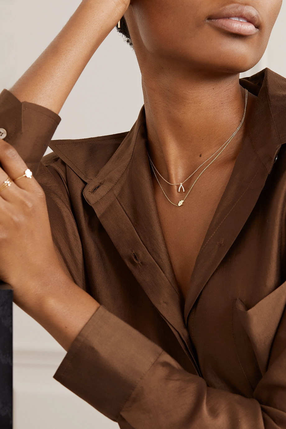 Jennifer Meyer Collier en or 18 carats et diamant Mini Hamsa