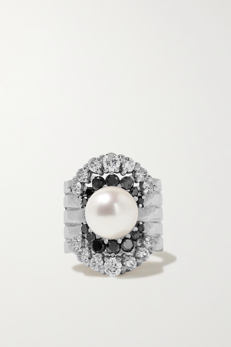 Yvonne Léon 18-karat white gold, diamond and pearl ear cuff