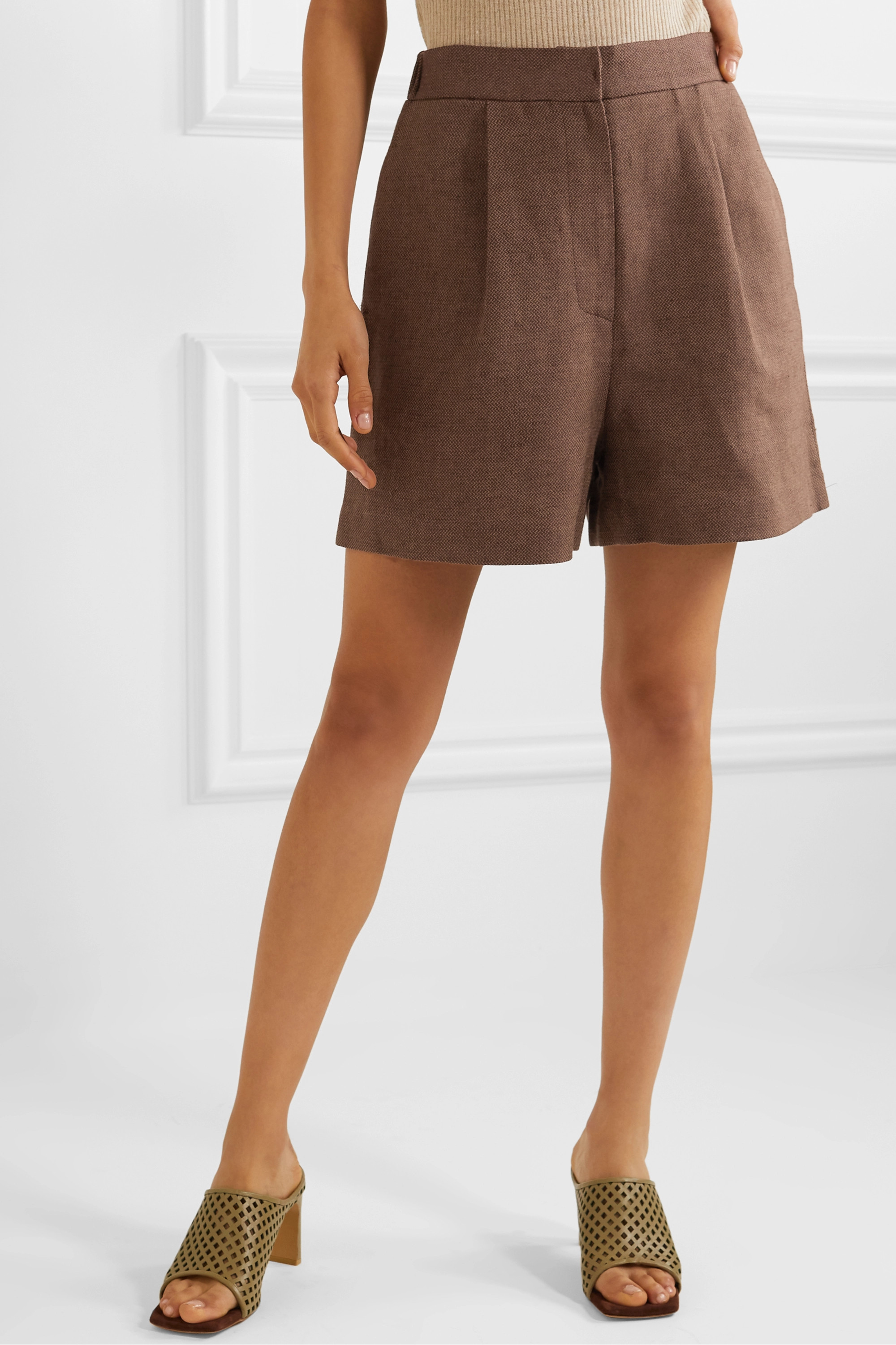 LVIR Pleated linen and cotton-blend piqué shorts