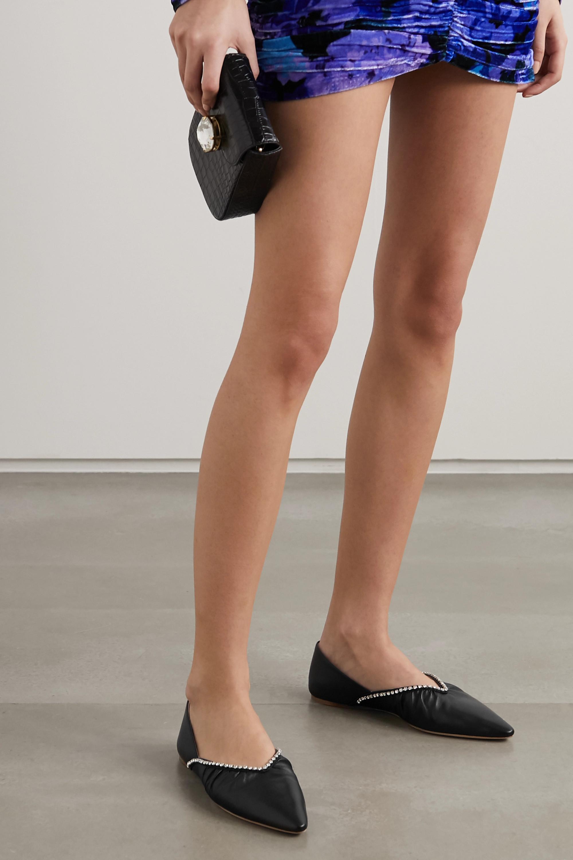 Miu Miu Kristallverzierte flache Schuhe aus Leder mit spitzer Kappe