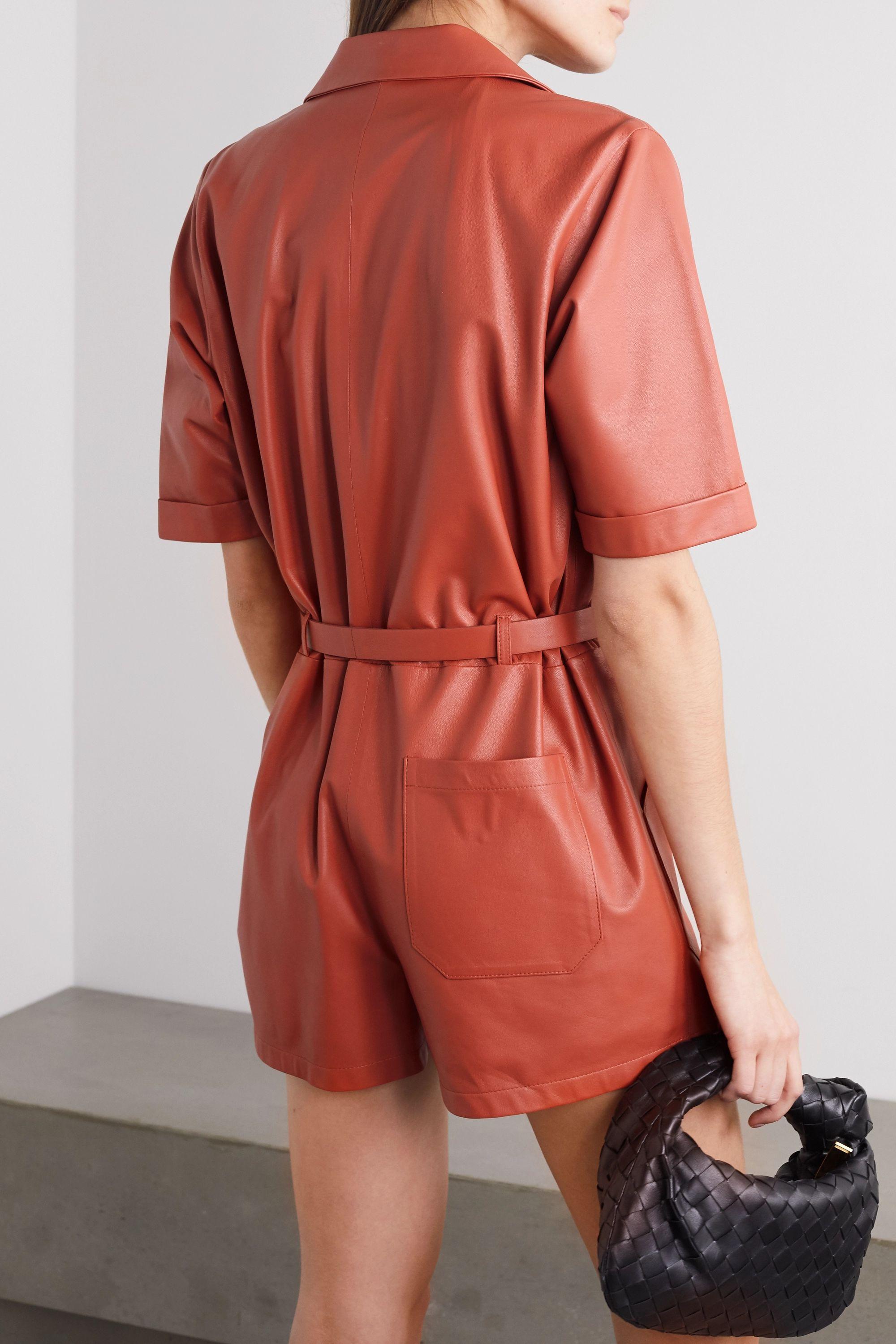 Zeynep Arcay Playsuit aus Leder mit Gürtel