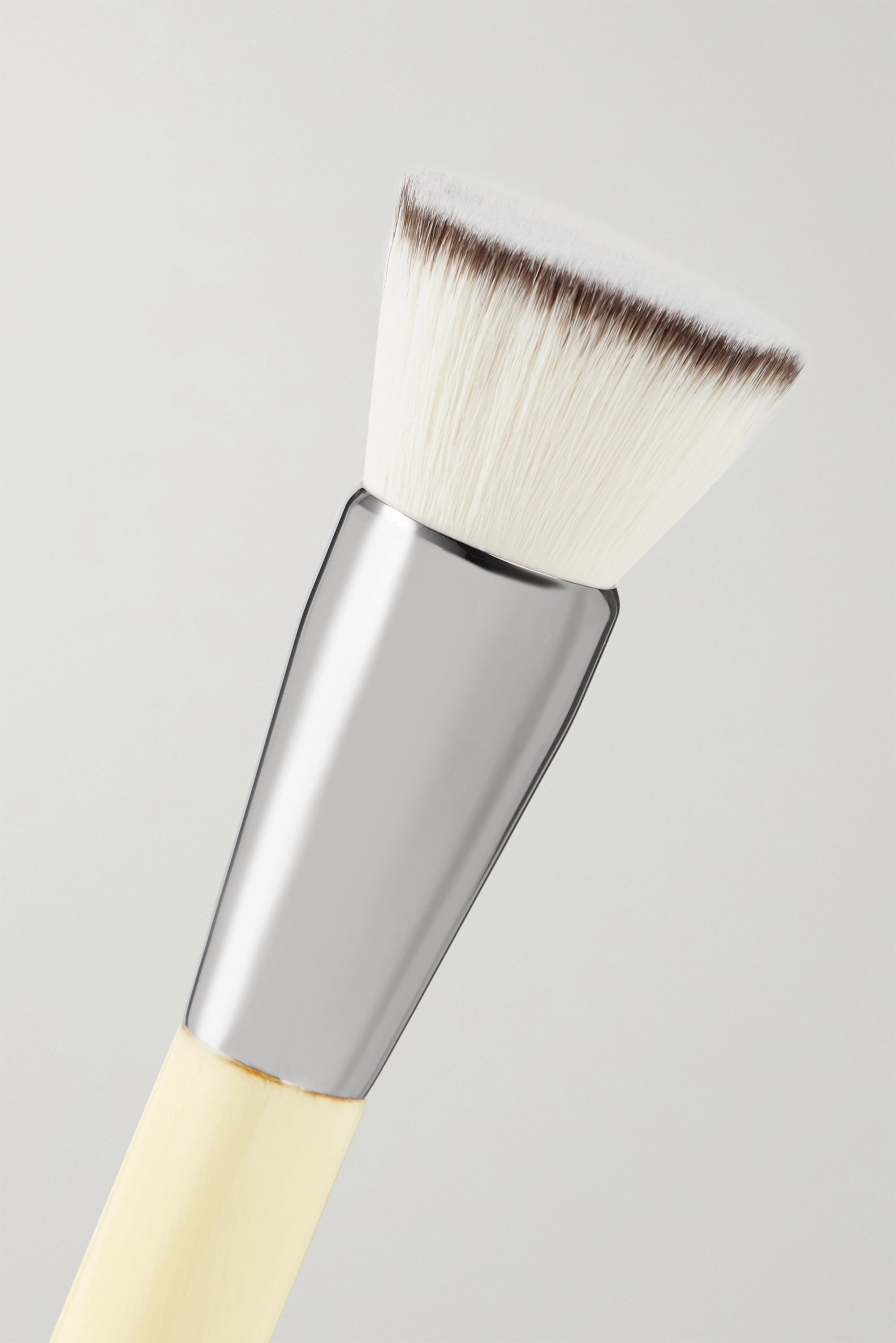 Chantecaille Pinceau poudre Buff and Blur