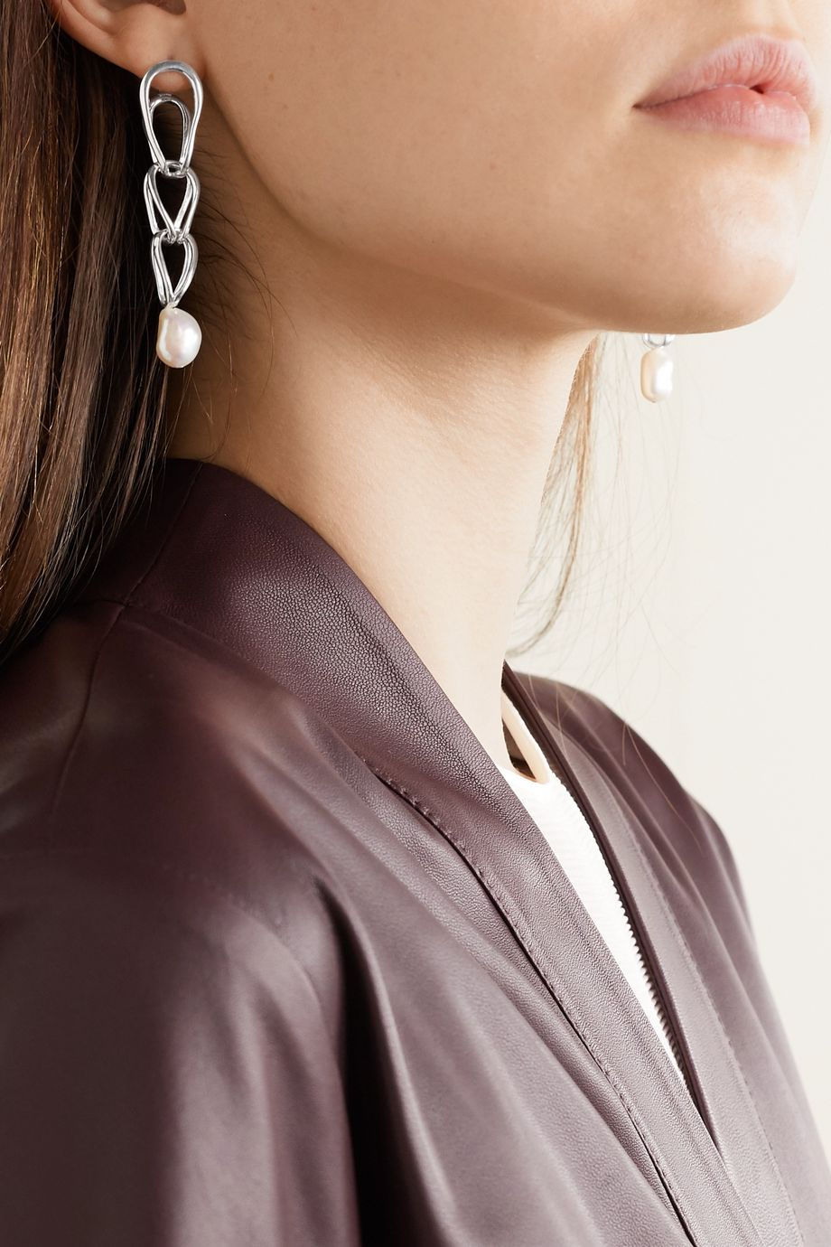Nathalie Schreckenberg Lua silver pearl earrings