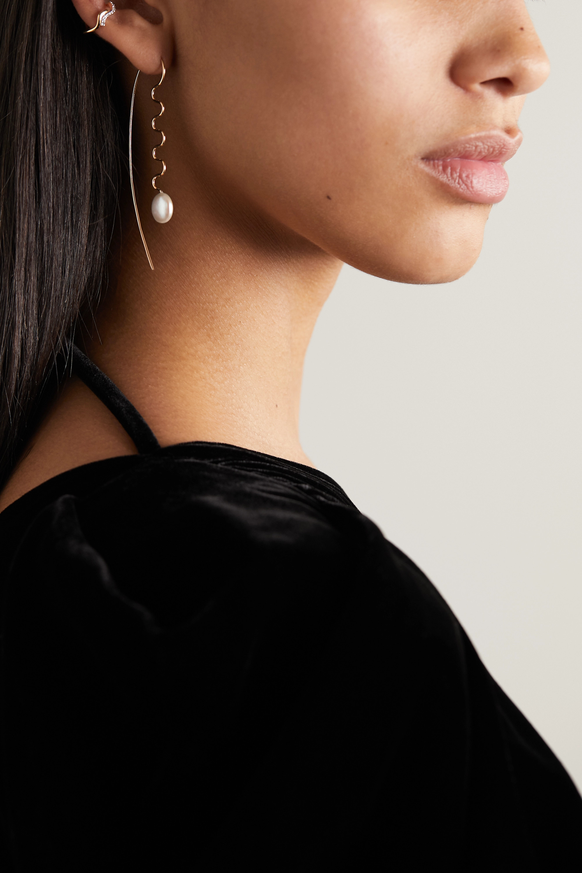 Maria Black Agosto gold pearl earring