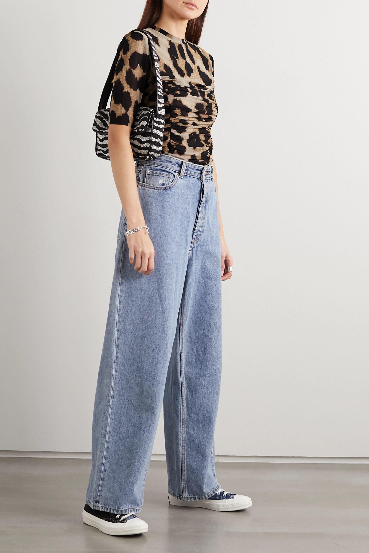 GANNI Gerafftes T-Shirt aus Stretch-Mesh mit Leopardenprint