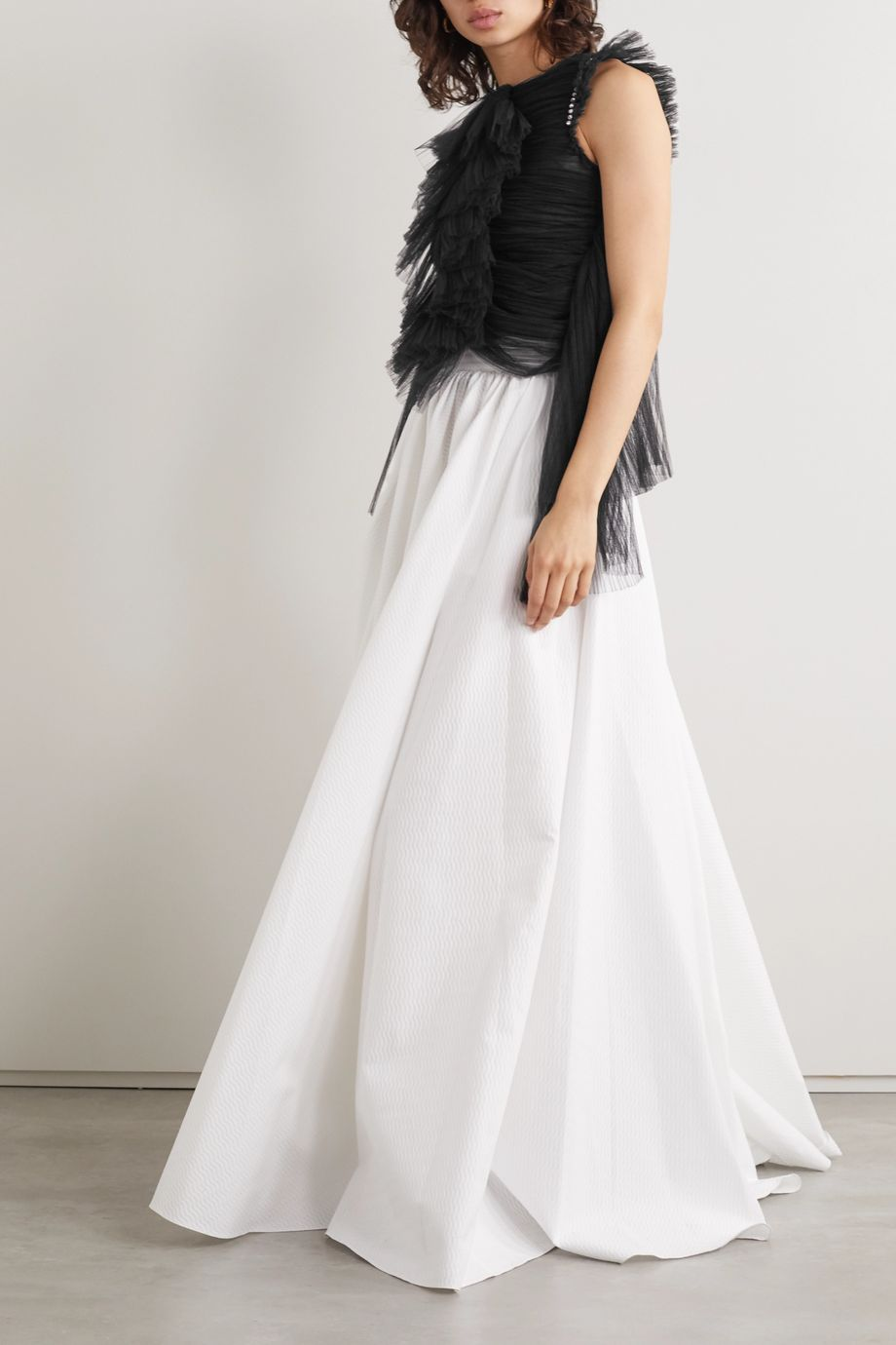 Khaite Dionne 施华洛世奇水晶缀饰荷叶边褶裥绢网上衣
