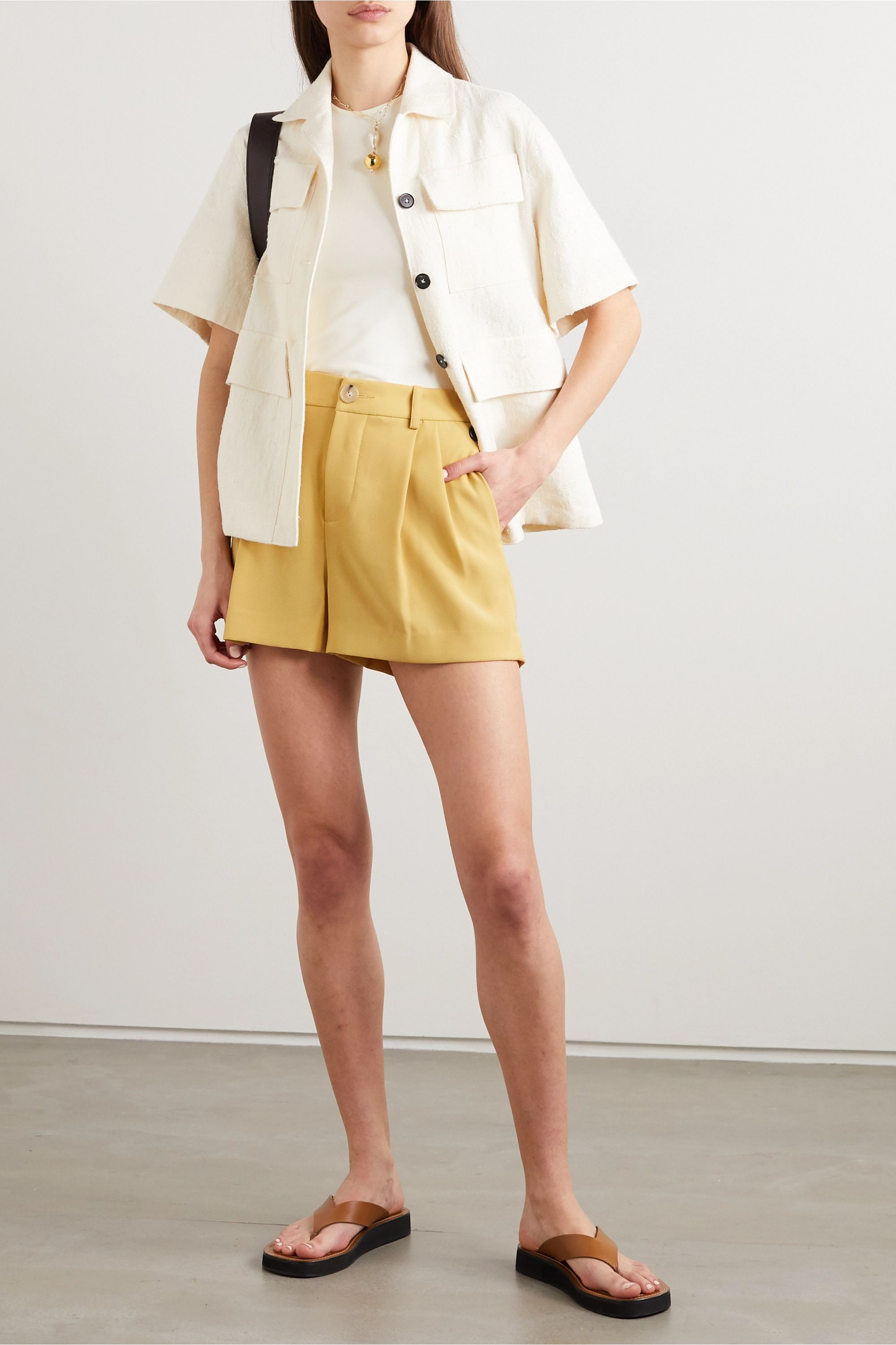 Vince Pleated crepe shorts
