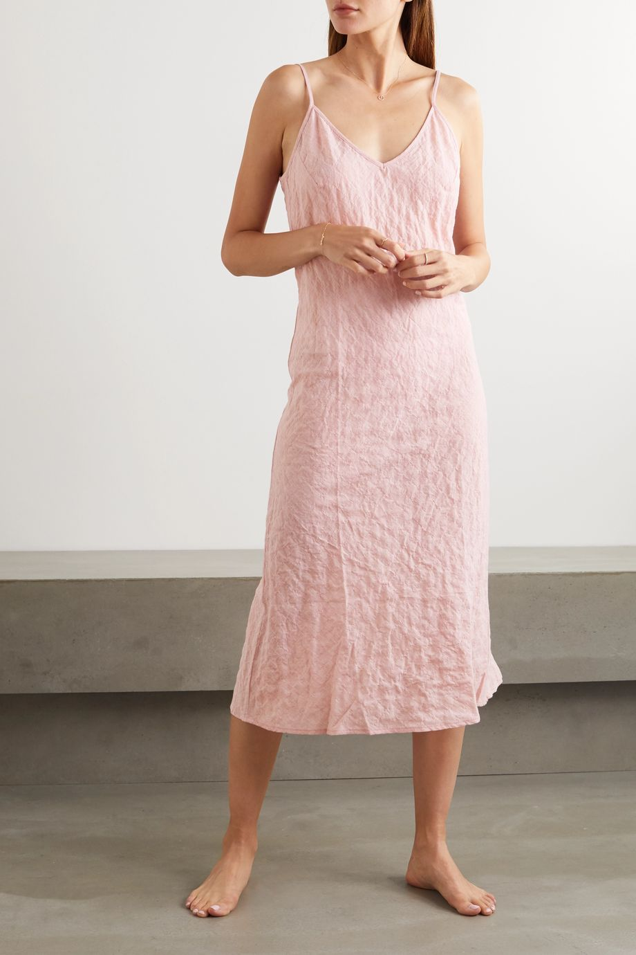 Pour Les Femmes Crinkled cotton-gauze nightdress