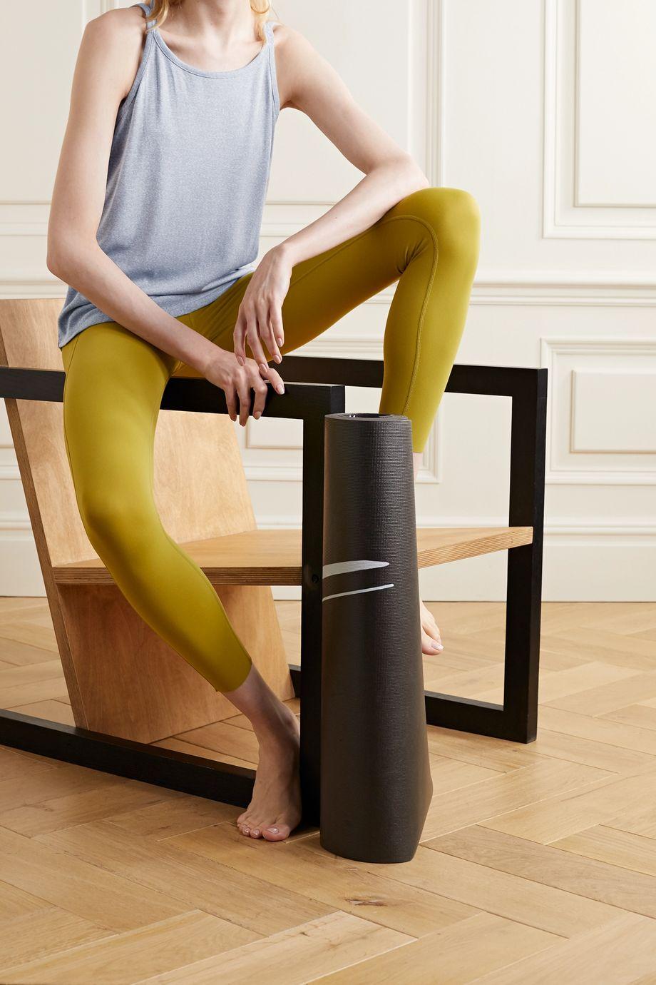 Nike Yoga Strappy gestreiftes Tanktop aus Dri-FIT-Material