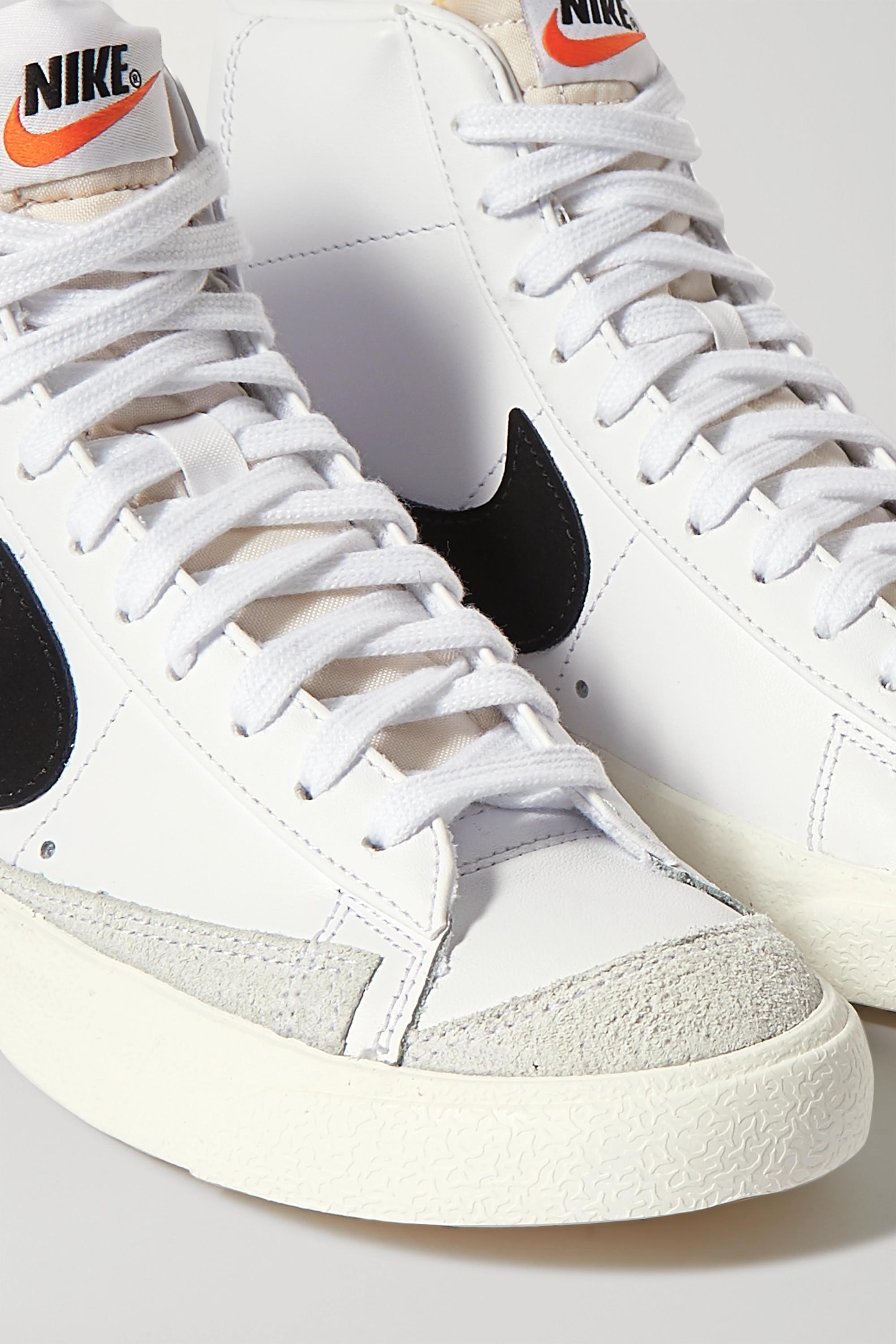 nike sneakers montantes