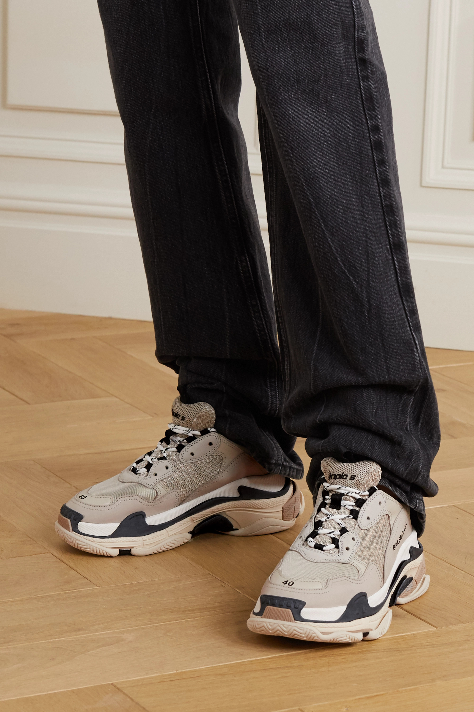 Balenciaga Triple S 品牌标志刺绣皮革网眼运动鞋